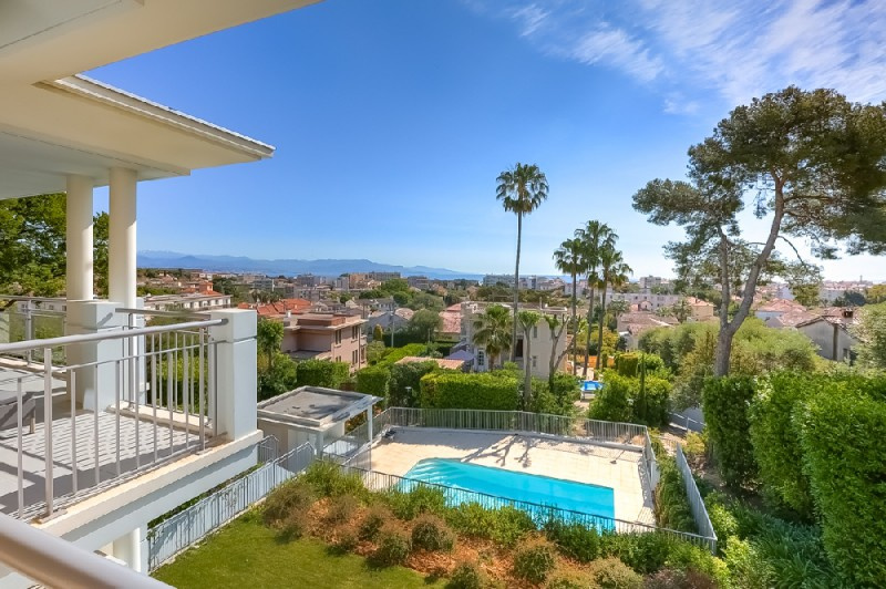 Locations vacances appartement antibes maisons et villas for Antibes location maison